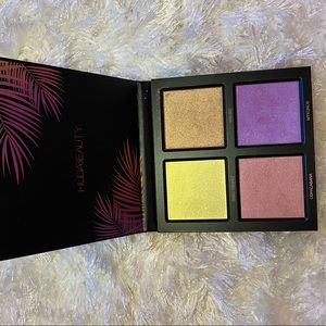 HUDA BEAUTY Makeup - Huda Beauty Summer Highlighter Palette